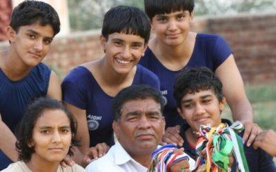 Как индийская семья поборола систему